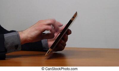 homme affaires, fonctionnement, tablette, mains