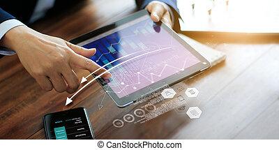 homme affaires, graph., ventes, tablette, utilisation, business, planification, strategy., économique, marketing., analyser, numérique, croissance, données
