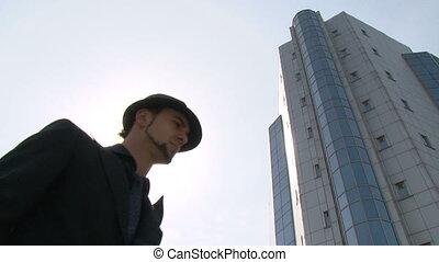 homme affaires, jeune, ville