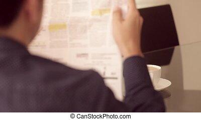 homme affaires, journal lecture, et, café buvant