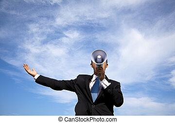 homme affaires, nuage, porte voix, fond, tenue