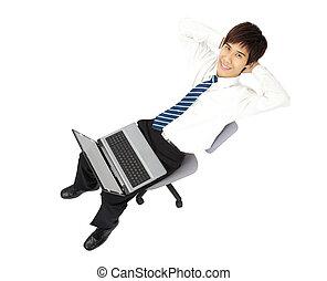 homme affaires, ordinateur portable, décontracté, jeune