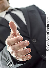 homme affaires, poignée main, offrande