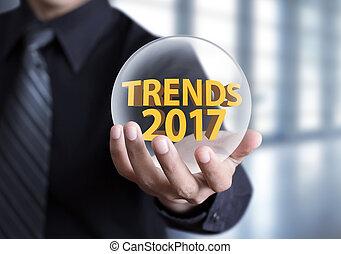 homme affaires, possession main, tendances, 2017, concept, dans, boule quartz
