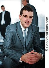 homme affaires, réunion, jeune, bureau