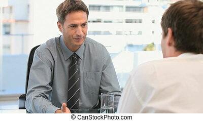homme affaires, sien, collègue, conversation
