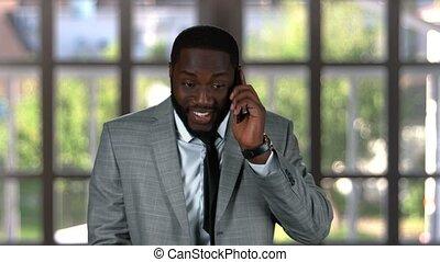 homme affaires, sourire, téléphone.