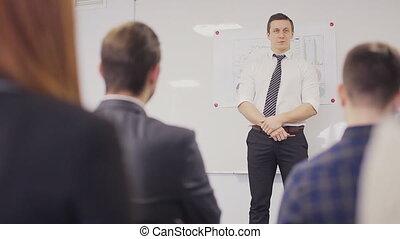 homme affaires, statique, présentation, coup, équipe, boardroom., prise notes