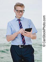 homme affaires, tablette, numérique