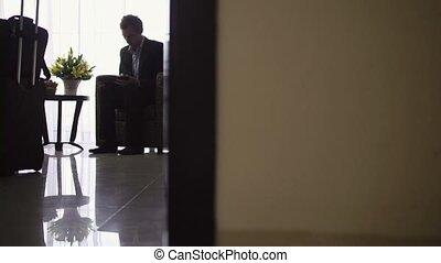 homme affaires, utilisation, pc, tablette, numérique