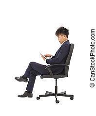 homme affaires, utilisation, pc tablette, sur, les, chaise