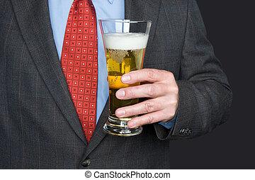 homme affaires, verre bière