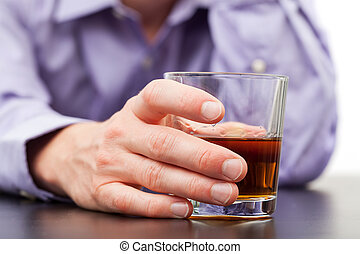 homme affaires, verre, whisky