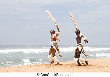 homme, africaine, plage, zoulou, danse