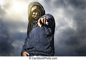homme, appareil photo, hoodie, pointage, africaine