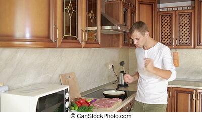 homme, battements, viande, par, cuisine, marteau, rigolote,...