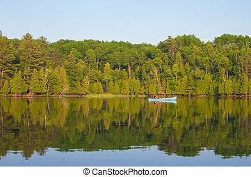 homme, canoë-kayac, sur, a, lac