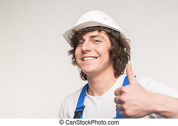 homme, constructeur, haut, rire, fond, confection, blanc, heureux, pouces