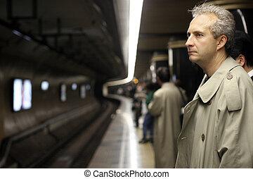 homme, dans, métro