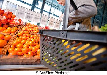 homme, dans, supermarché