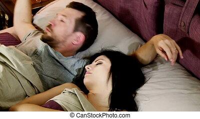 homme, essayer, réveiller, épouse