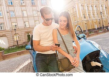 homme, femme voiture, capuchon, séance