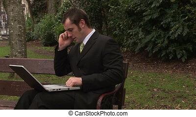 homme, fonctionnement, ordinateur portable, parc
