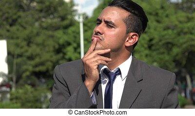 homme hispanique, business, confusion