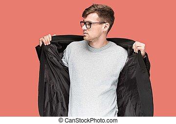 homme, isolé, jeune, arrière-plan noir, complet, beau, rouges, lunettes