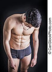 homme, jeune, beau, sous-vêtements, crise, sans chemise, seulement, porter