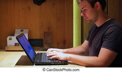 homme, laptop., fonctionnement, jeune