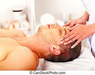 homme, masage, facial, obtenir