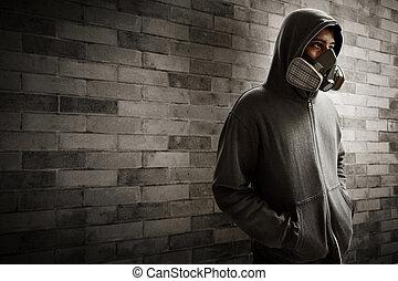 homme, masque respirateur, porter
