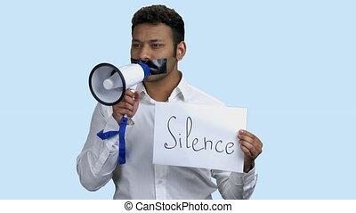 homme, megaphone., indien, silenced, tenue