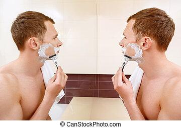 homme, miroir, devant, rasage