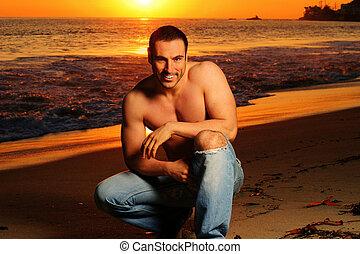 homme, plage, coucher soleil