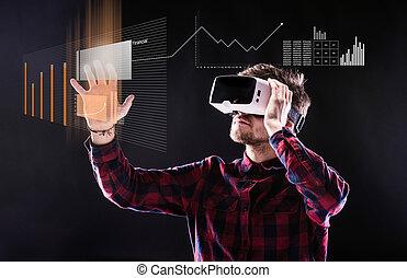 homme, porter, réalité virtuelle, goggles., projectile...