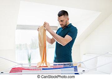 Photos et images de drying rack 3 206 photographies et for Job depuis chez soi