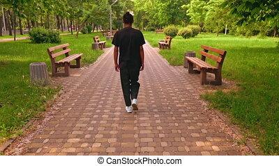 homme, rue, américain africain, marche
