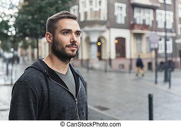homme, rue, dans ville