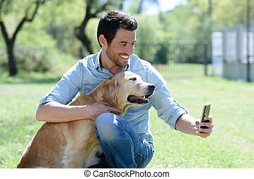homme, sien, ami, selfie, prendre, chien