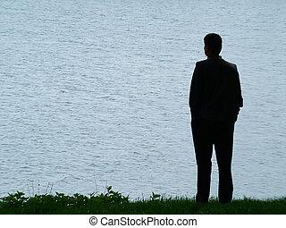 homme, silhouette, à, soir