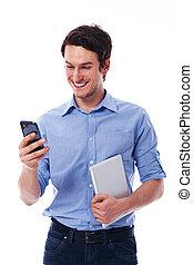 homme souriant, utilisation, sans fil, appareils