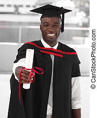 homme, sourire, à, remise de diplomes