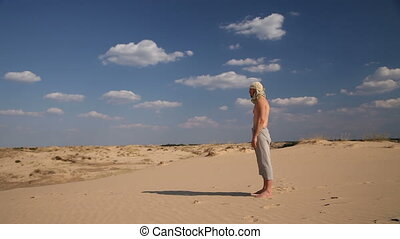 homme, stands, désert