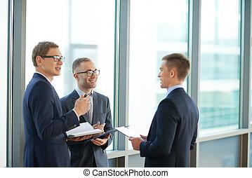 hommes affaires, communiquer