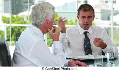 hommes affaires, conversation, quoique, ensemble, séance
