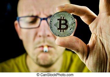 hommes, bitcoin, jaune, tshirt, monnaie, argent