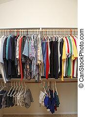 hommes, placard, vêtements