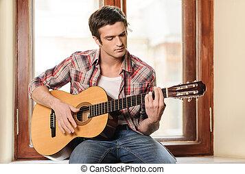hommes, rebord fenêtre, séance, guitar., jeune, guitare, acoustique, homme, jouer, beau
